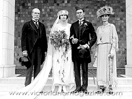 Wedding photograph from June 10, 1922.